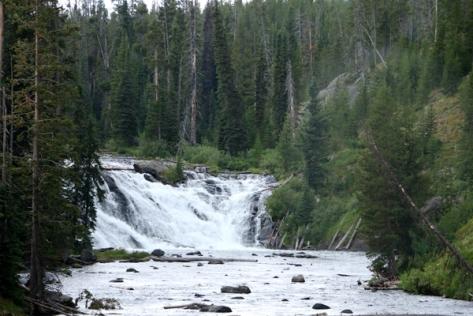 IMG_4765-WaterfallYellowstone