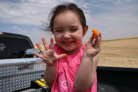cheeto-fingers-washington-state-travel-with-kids