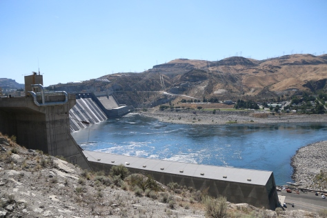grand-coulee-dam-view-2